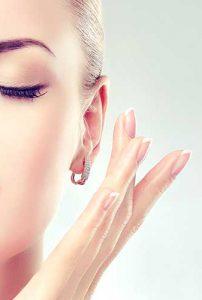 Przekłuwanie uszu, nosa, pępka